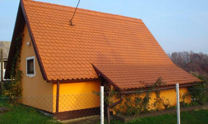 Steep Roof Pitch Determining Old House