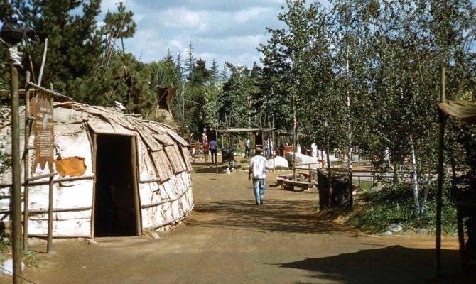 Stuff Park Indian Village Frontierland