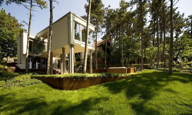 Summer House Pillars Munkacsoport
