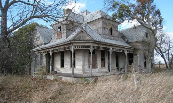 Texas Farmhouse Man Want Film Horror