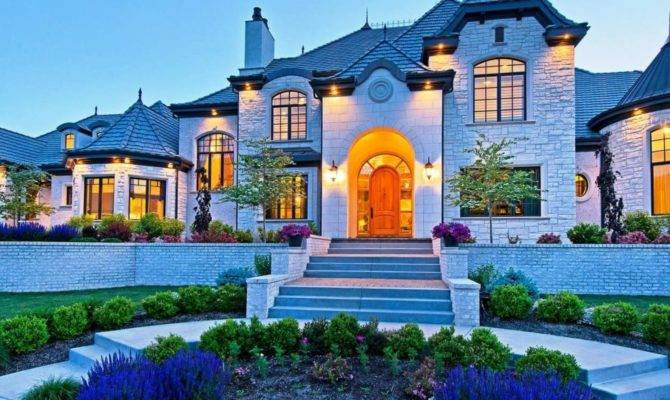 These Homes Know Quality Curb Appeal Done