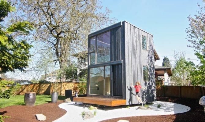 Tiny House Rotates Catch Sun Rays Curbed