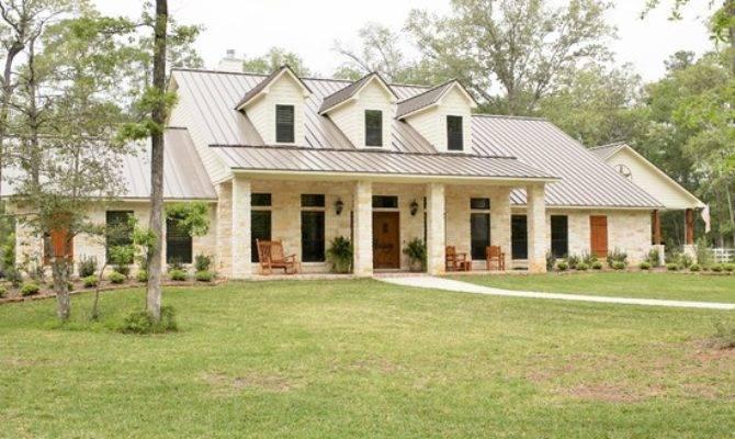 Top Ten Elegant One Story Farmhouse