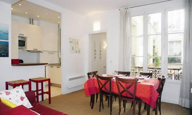 Tour Marais Cheap Two Bedrooms Apartment Bedroom