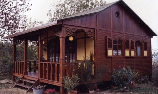 Traditional Cottage Design Home Garden
