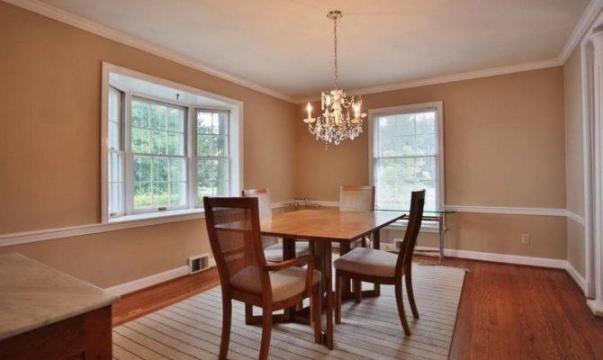 Traditional Dining Room Chair Rail Hardwood Floors