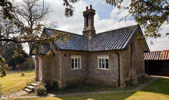 Traditional English Cottage Cottages Rent