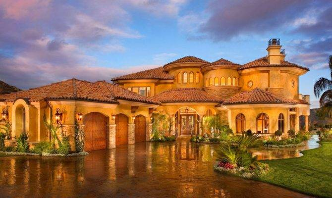 Tricked Out Mansions Showcasing Luxury Houses November