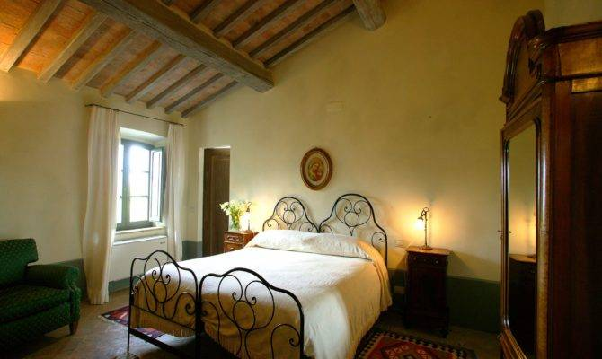 Tuscan Bedrooms Style