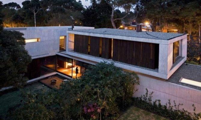 Two Modern House Has Same Shape Twin Home