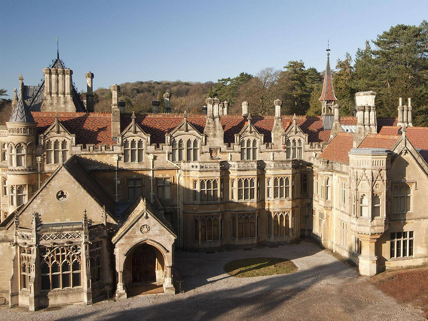 tyntesfield-house-grade-listed-victorian-gothic-revival-mansion_291339.jpg