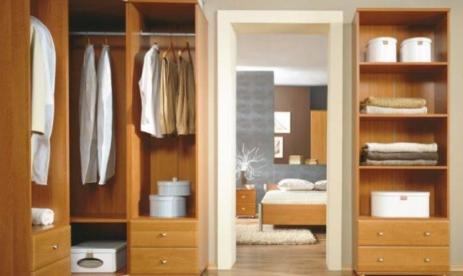 Unif Closetpart Wall System