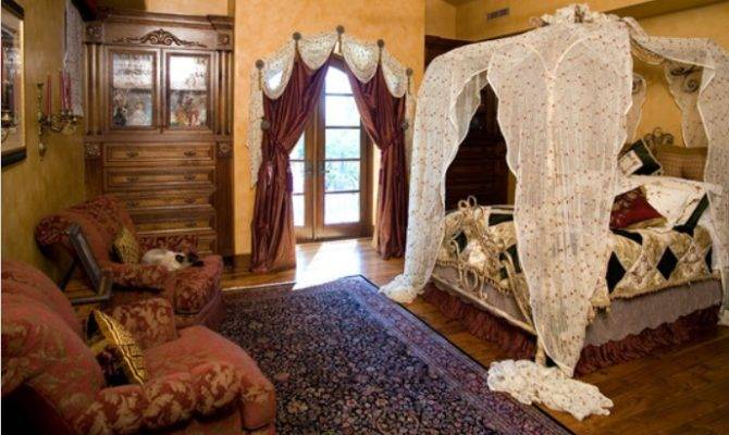 Victorian Room Would Look Completely Without Heavy