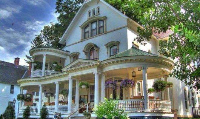 Victorian Style Beautiful Home Design