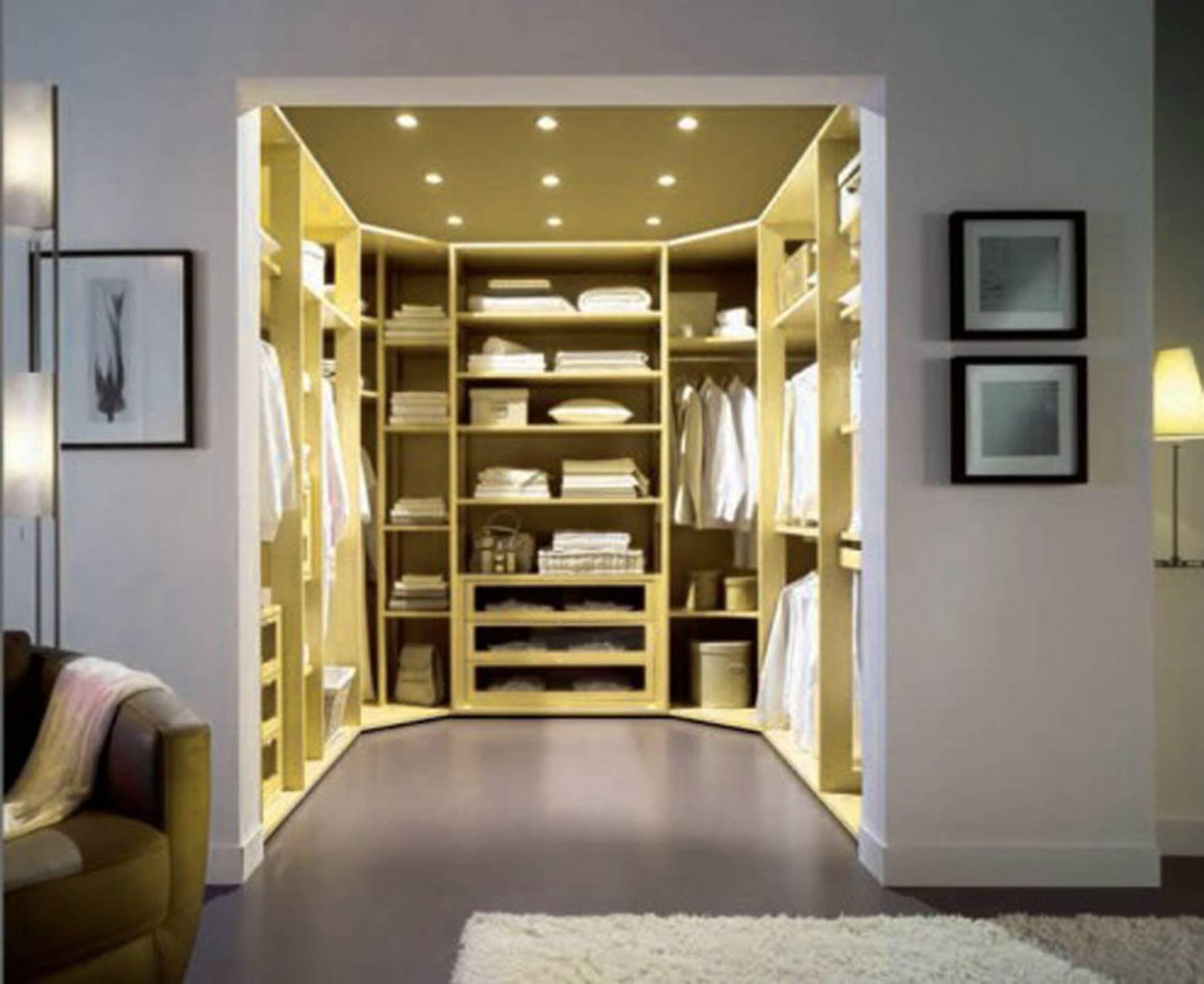 Image of: Walk Closet Traditional Modern Interior Design Small House Plans 37703