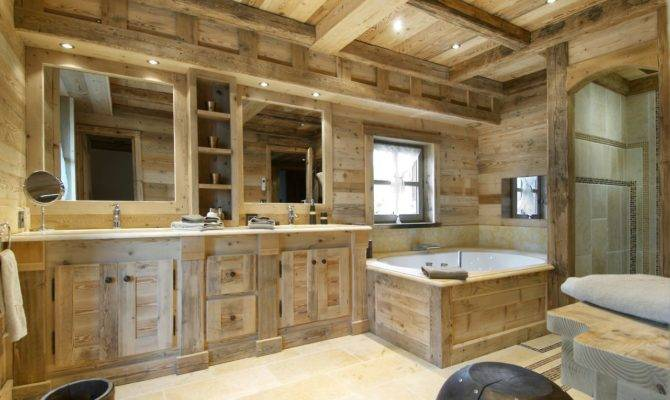 Wooden Trim Country House Bathroom